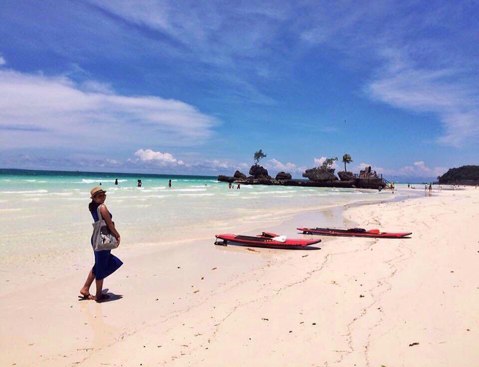 A Beautiful Mess in Boracay