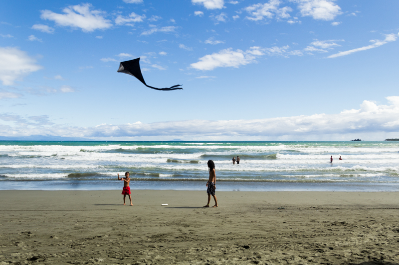 Travel Finds Baler Fly a Kite