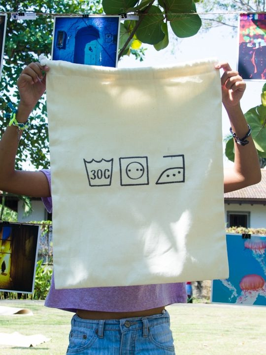 Laundry Rope Drawstring Bag Material: Canvas + white cotton rope cord